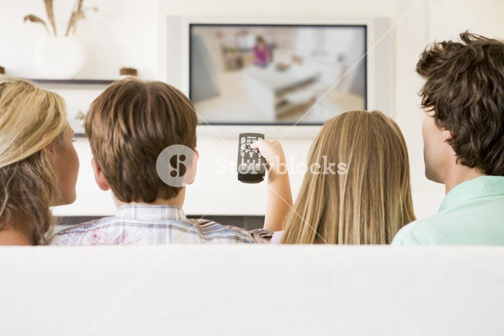 Définitivement exonérés de Taxe d'habitation, 550.000 retraités ne paieront pas non plus, pour 2021, la contribution à l'audiovisuel public
